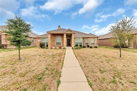 Photo of 1525 Vermont Ave, Lancaster, TX 75134