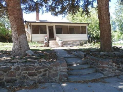 109 N West A St, Alturas, CA 96101