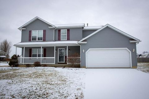 Photo of 504 Alexis Dr, Elyria, OH 44035