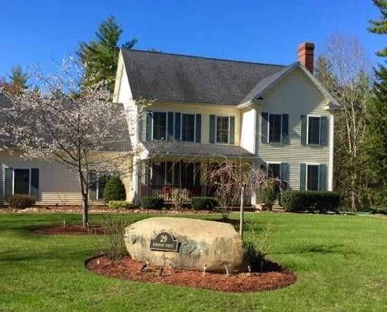 29 Robinson St, Brentwood, NH 03833