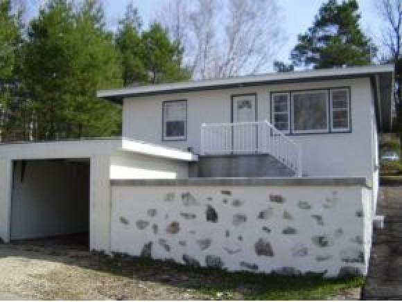 28 arthur st berlin nh 03570 3 beds 1 baths home. Black Bedroom Furniture Sets. Home Design Ideas