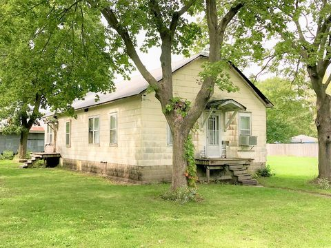 Photo of 118 S Van Horn St, Braceville, IL 60407
