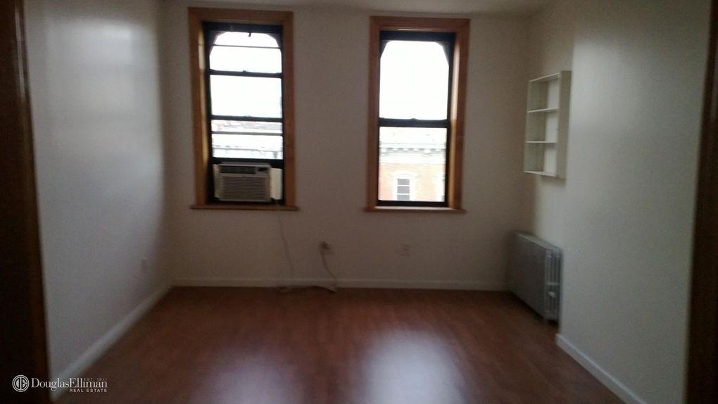 94 Milton St Apt 2 R, Brooklyn, NY 11222