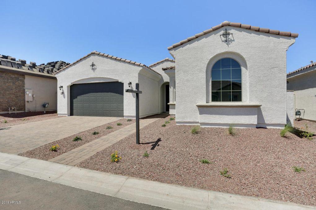 19846 W Glenrosa Ave Litchfield Park, AZ 85340