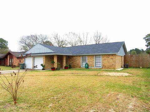 5235 Harmony Ln, Beaumont, TX 77708