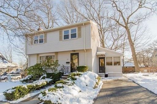 85 Ruskindale Rd, Hyde Park, MA 02136