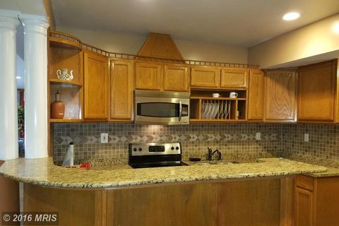 6403 Good Luck Rd, Riverdale, MD 20737