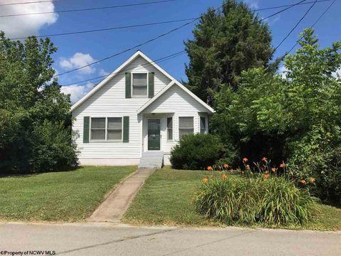 83 Fayette St, Buckhannon, WV 26201