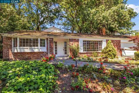 303 Willoughby Ct, Lafayette, CA 94549