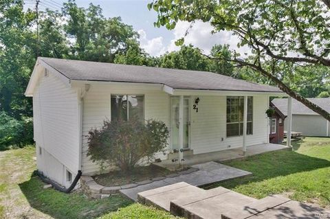 21 Francis Ave, Valley Park, MO 63088
