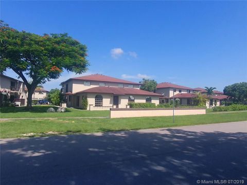 Photo of 4605 Sw 139th Ct Apt A, Miami, FL 33175