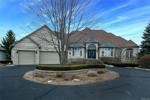 3529 25 Mile Rd, Shelby Township, MI 48316