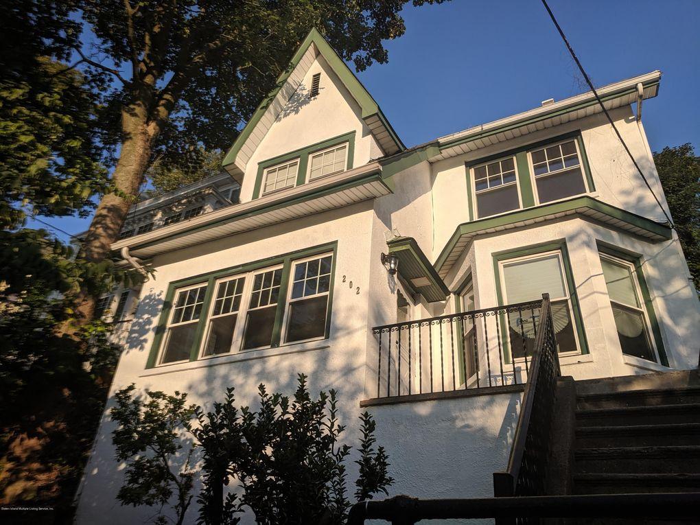 202 St Pauls Ave Staten Island, NY 10304