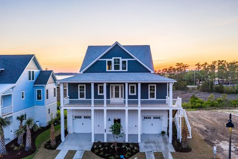 Amazing Page 18 Waterfront Homes For Sale In Wilmington Nc Home Interior And Landscaping Analalmasignezvosmurscom