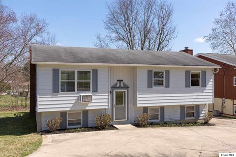 109 Duff St, Gambier, OH 43022