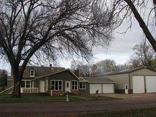 601 Oak St, Springfield, SD 57062