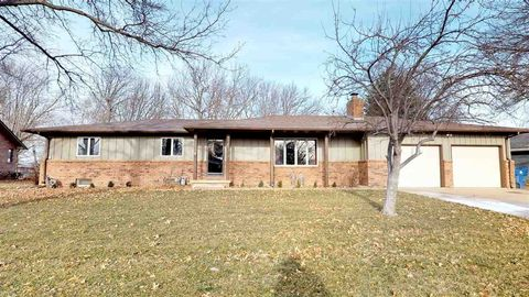 Photo of 505 Crestview Ct, Andale, KS 67001