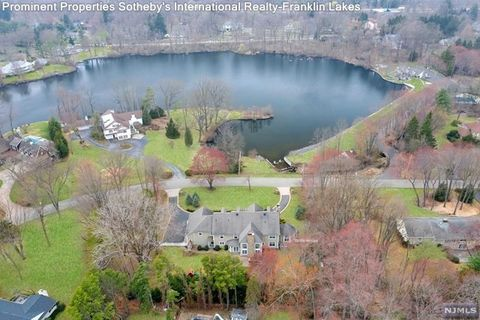 Photo of 317 Briarly Dr, Franklin Lakes, NJ 07417