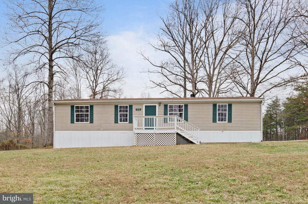 915 Hasher Ln, Louisa, VA 23093