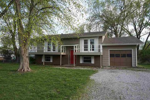 1217 Evelyn St, Taylorsville, IN 47280