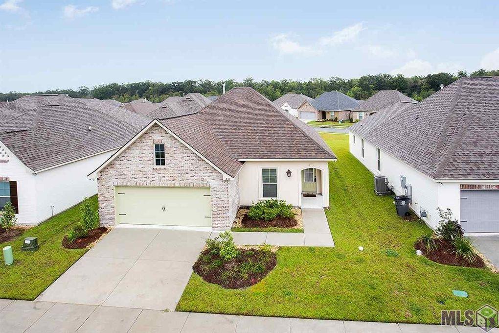 337 Lake Breeze Dr, Baton Rouge, LA 70820