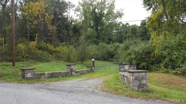 8 And 9 Ravine Rd, Pawling, NY 12564
