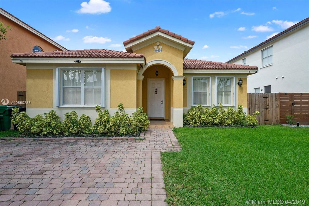 10853 Sw 242nd St, Homestead, FL 33032