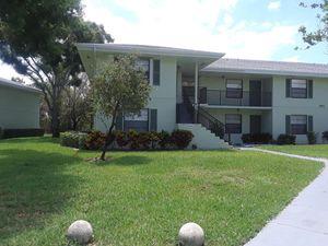 1901 Sabal Ridge Ct Apt E, Palm Beach Gardens, FL 33418