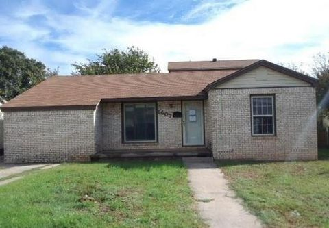 Photo of 1607 Pease St, Sweetwater, TX 79556