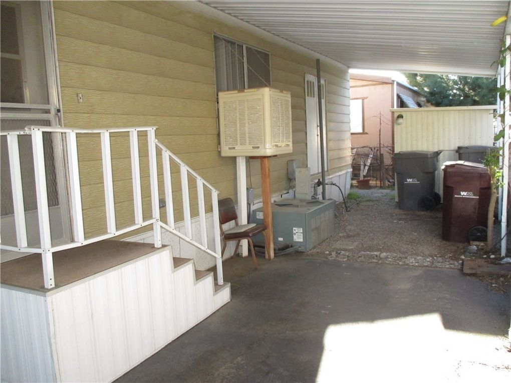721 N Sunset Ave Spc 105, Banning, CA 92220