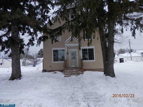 402 Woodbridge Ave, Buhl, MN 55713