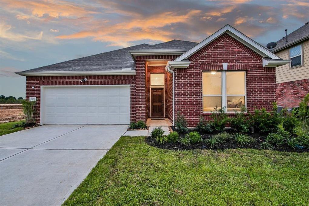 28511 Willow Orchard Ln, Katy, TX 77494