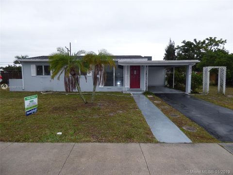 Photo of 353 Mid Pines Rd, Palm Springs, FL 33461