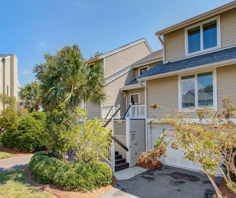 Photo of 7 Linkside Ct, Isle Of Palms, SC 29451