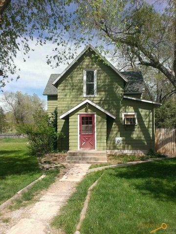 1533 Evans St, Hot Springs, SD 57747
