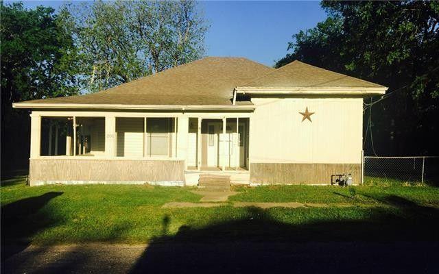 206 Mill St, Lone Oak, TX 75453