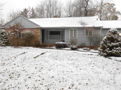 3778 Irving Park Ave, Woodmere, OH 44122