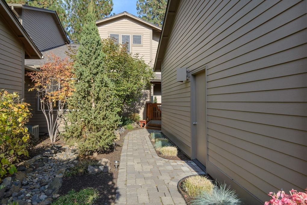 60478 Seventh Mountain Dr, Bend, OR 97702
