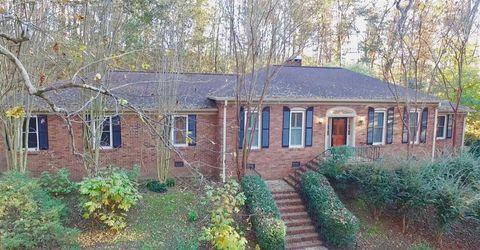 110 Oakwood Cir, Scottsboro, AL 35768