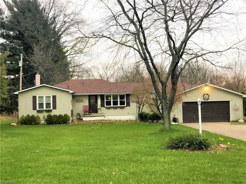 5226 Kennedy Rd, Lowellville, OH 44436