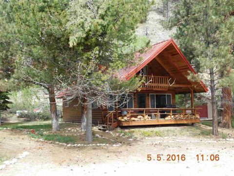 4277 N Pine Featherville Rd, Featherville, ID 83647
