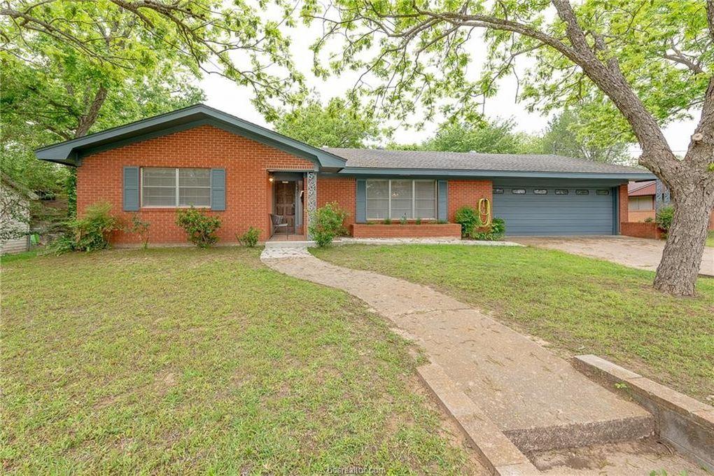 303 N Harvey St, Caldwell, TX 77836