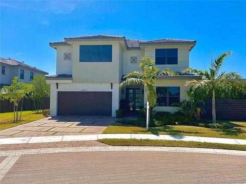 Photo of 16160 Nw 91 Ct Unit 16160, Miami Lakes, FL 33018