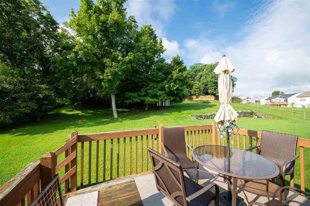 2705 Ridgecrest Ln, Covington, KY 41017