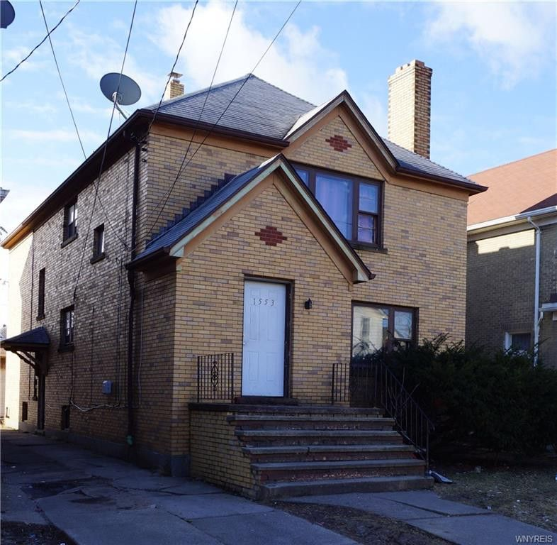 1553 Whitney Ave, Niagara Falls, NY 14301