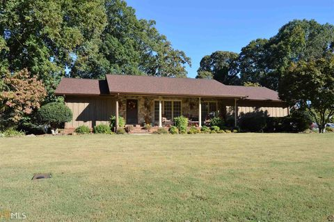 2550 Se Highland Golf Cours Dr, Conyers, GA 30013