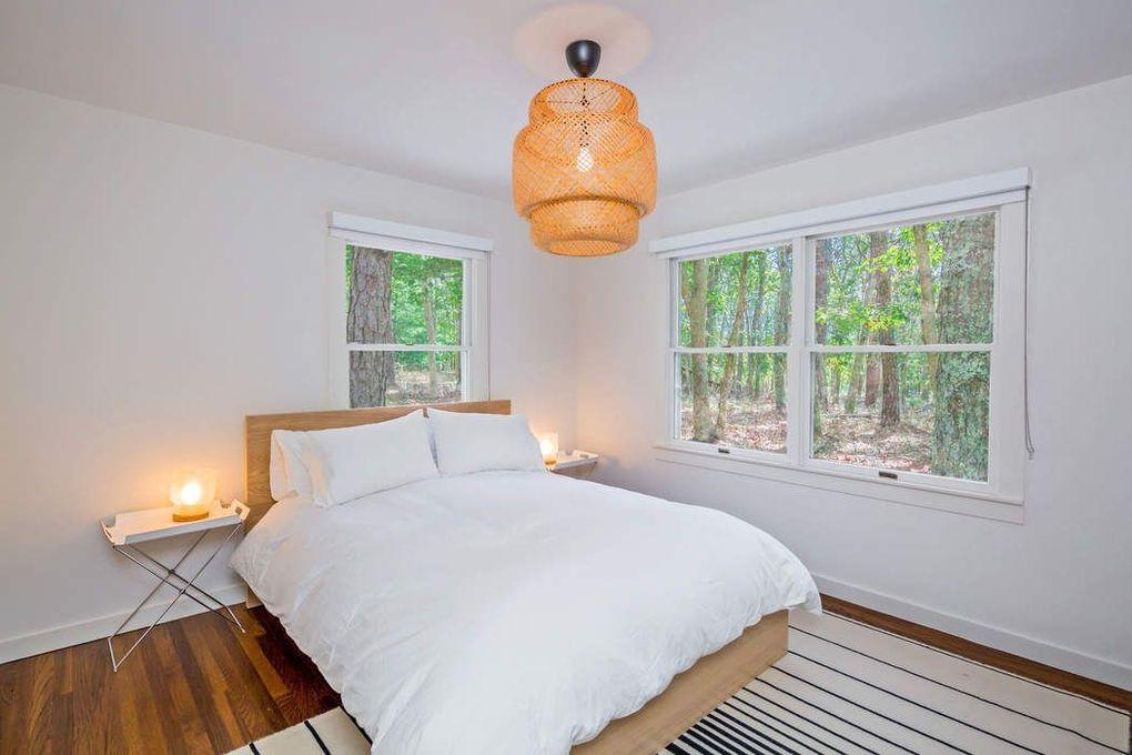 6 Timber Ln, East Hampton, NY 11937
