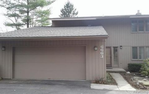 Photo Of 6663 Red Cedar Ln West Bloomfield Township Mi 48324 Condo Townhome For Rent