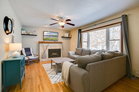 Photo of 212 County Road C W, Roseville, MN 55113