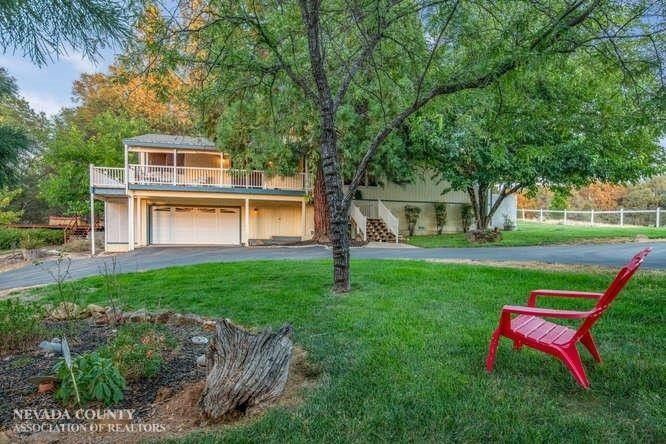 20607 Mc Courtney Rd, Grass Valley, CA 95949